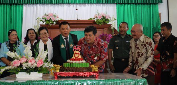 Wagub Berbagi Sukacita di HUT Jemaat GMIM Baitani Kopiwangker