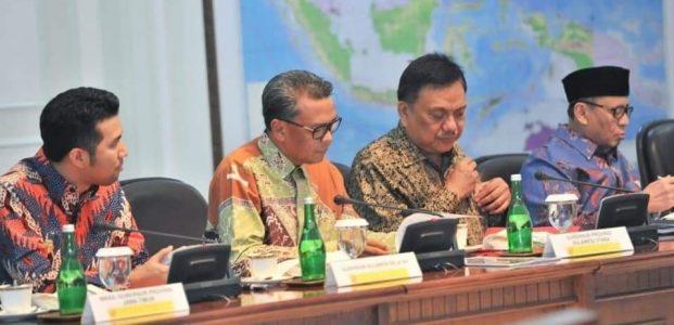Jokowi dan Olly Bahas Pembangunan Listrik Tenaga Sampah