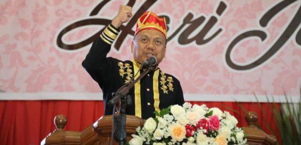 Gubernur Olly Dianugerahi Gelar Kehormatan Tonaas Wangko Um Banua