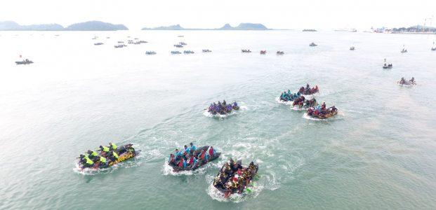 Atlet Dayung Marinir Taklukkan Arus Gelombang Selat Sunda