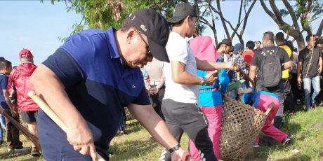 Wabup Minahasa Ikut Bersih-bersih Laut