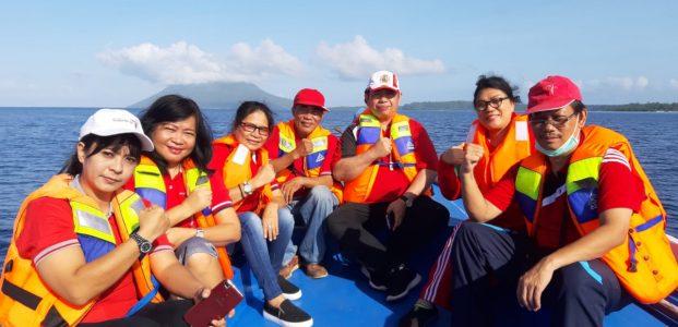 Peringati HPSN, Disparda Sulut Aksi Bersih Pantai di Pulau Bunaken