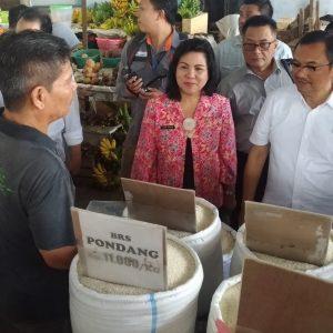 """Ada """"Perang"""" Harga Bapok di Pasar Pinasungkulan dan Bersehati"""