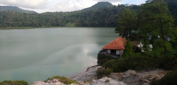 Hasrina Ali Kagumi Kecantikan Danau Linow